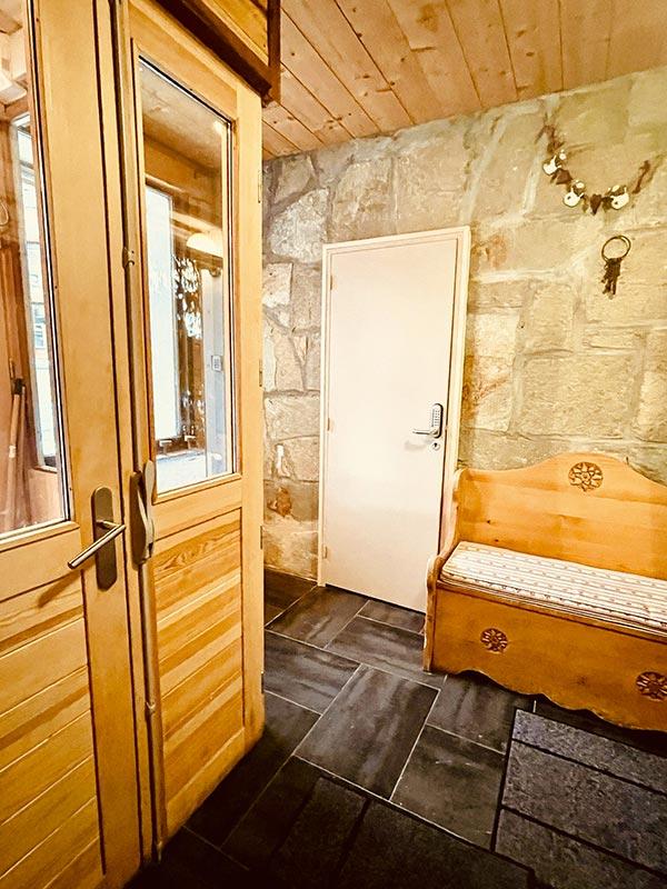 L'Eingang des Chalets mit Blick auf l'Huez Appartement, Alpe und den Skiraum von l'Huez Appartement auf l'Alpe d'Huez 1850 M ideale Lage