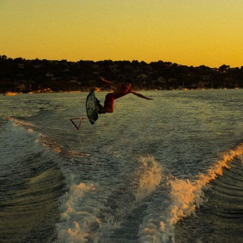 wakeboarding on the peninsula of Giens at sunset