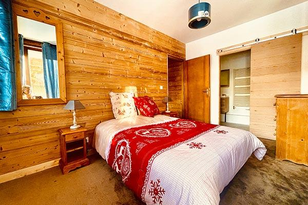 Schönes Zimmer 1 von l'appartement Huez in l'Alpe d'Huez 1850 M im Zentrum des Ortes