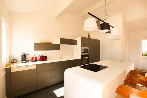 Large bright kitchen of the Villa Mer in Sainte Marie de Ré on l'Île de Ré