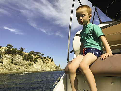 Lilian allant faire du snorkeling sur la presqu'ile de Giens