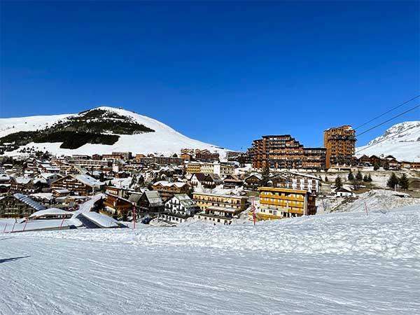 Bella località soleggiata di l'alpe d'huez 1850